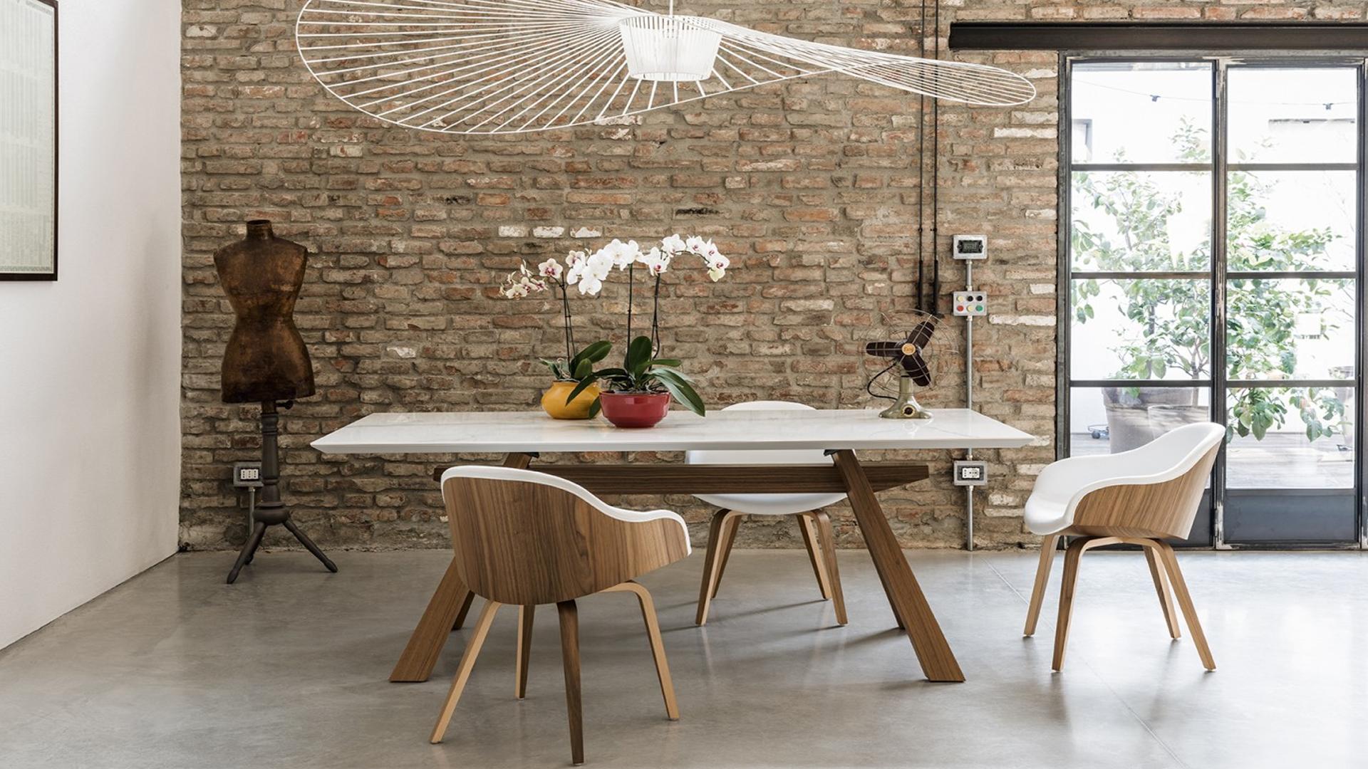 dbd420568c9c Talianska značka MIDJ patrí medzi rešpektovaných výrobcov moderných stolov